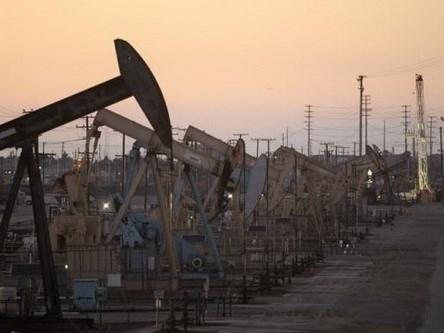 Mỹ sắp hết chỗ chứa dầu