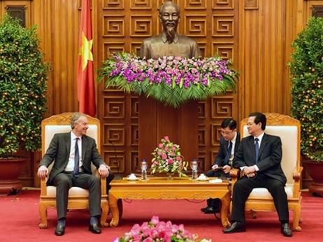 Thủ tướng Nguyễn Tấn Dũng tiếp nguyên Thủ tướng Anh Tony Blair