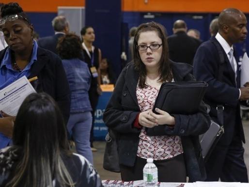 Mỹ: Số đơn xin trợ cấp thất nghiệp lên cao nhất 9 tháng