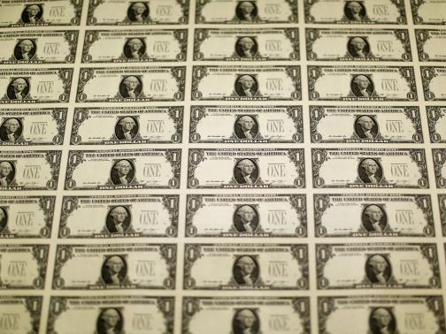 USD lại lên cao nhất 11 năm so với euro