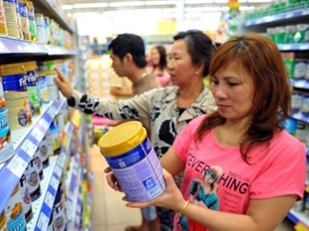 Giá sữa nguyên liệu thế giới giảm mạnh