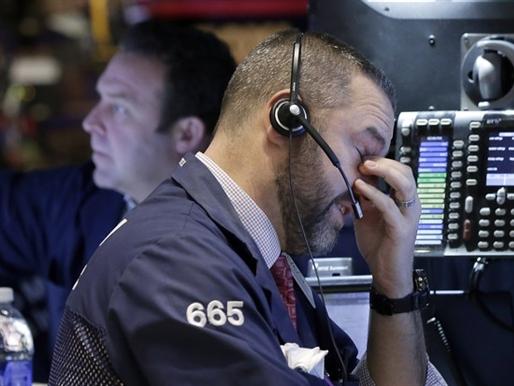 Chứng khoán Mỹ giảm điểm do cổ phiếu vận tải lao dốc