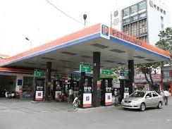 Giá xăng không đổi, giảm chi quỹ bình ổn giá 832 đồng/lít