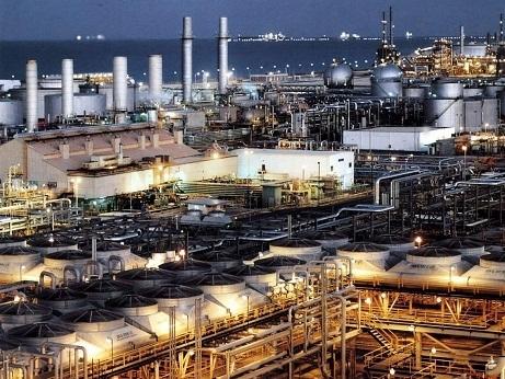 Giá dầu lên cao nhất hơn 2 tuần do bất ổn tại Trung Đông, USD suy yếu