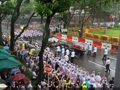 Singapore tiễn ông Lý Quang Diệu dưới cơn mưa tầm tã