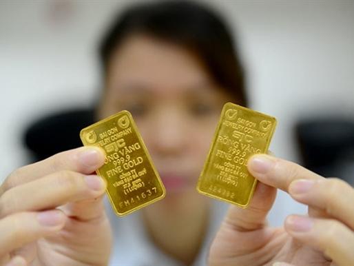 """Chê vàng miếng SJC """"một chữ"""" vì bán bị trừ tiền"""