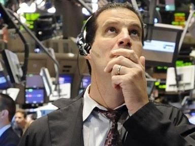 Dow Jones tăng mạnh nhất 8 tuần nhờ M&A