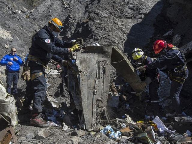 Cơ phó A320 từng tìm kiếm thông tin về cách tự tử