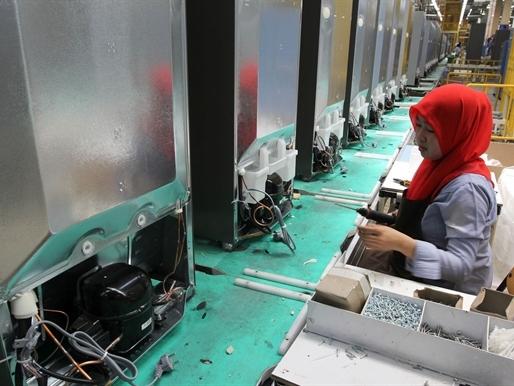 Năm 2019 lương công nhân Indonesia chỉ còn kém Mỹ 58 lần