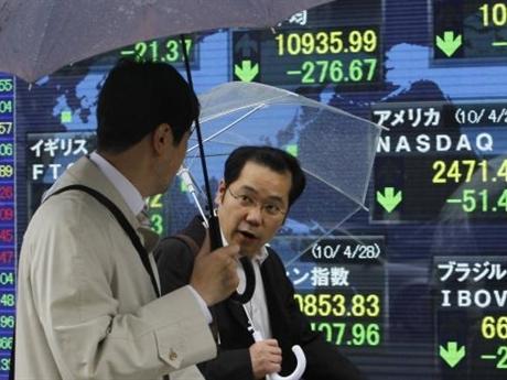 Giá dầu tăng mạnh kéo thị trường chứng khoán châu Á tăng điểm