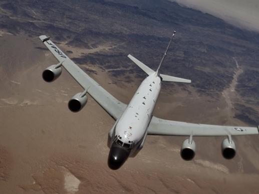 Máy bay chiến đấu Nga chặn máy bay trinh sát Mỹ