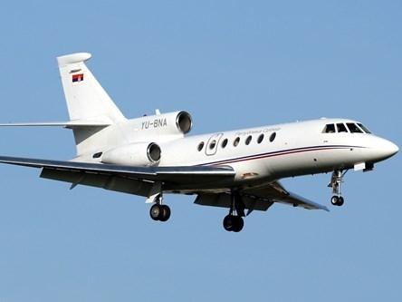 """Máy bay chở Tổng thống Serbia """"rơi tự do"""" hai phút"""
