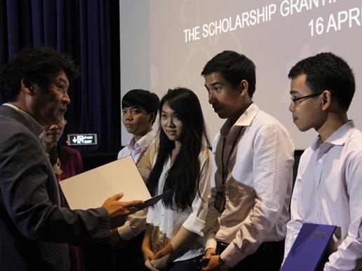 Lễ trao giải tháng 4/2015 của Quỹ Học bổng Lotte