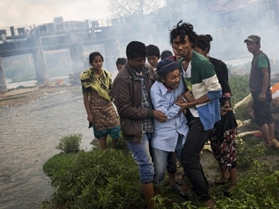 Hơn 3.200 người chết vì động đất, Nepal hỗn loạn