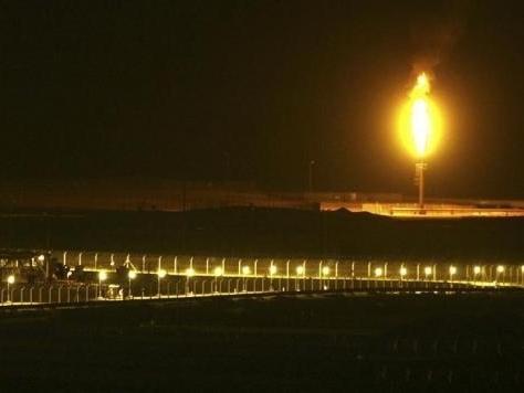 Giá dầu Mỹ tăng nhẹ, chờ số liệu tồn kho