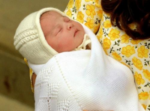Công chúa nhỏ nước Anh được đặt tên theo Nữ hoàng và Công nương Diana