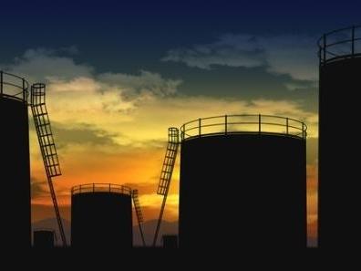Giá dầu lập đỉnh mới 2015