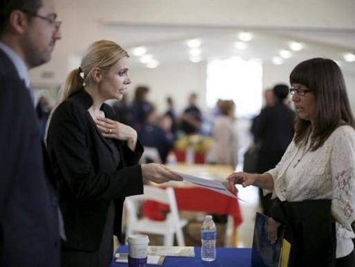 Số đơn xin trợ cấp thất nghiệp tại Mỹ thấp nhất 15 năm