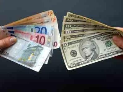 USD tăng so với euro sau báo cáo việc làm