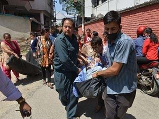 Động đất rung chuyển Nepal