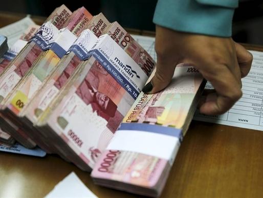 Tiền châu Á mất giá mạnh