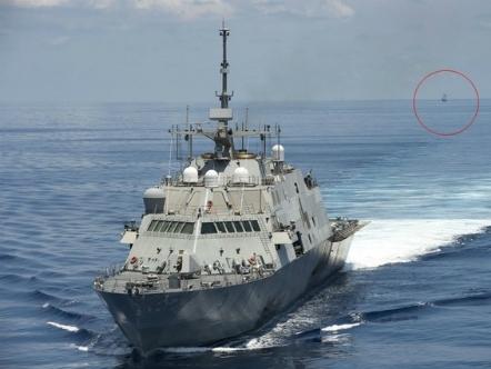Tàu Trung Quốc đeo bám chiến hạm Mỹ gần quần đảo Trường Sa