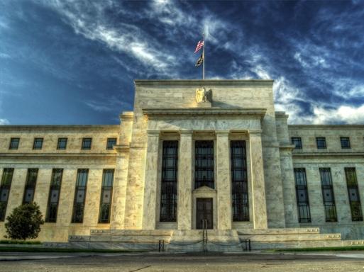 Chính sách tiền tệ trái chiều và rủi ro tài chính toàn cầu 2015