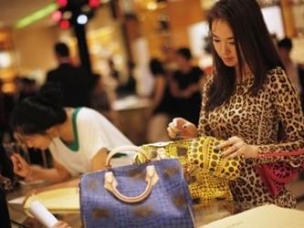 Trung Quốc giảm hơn 50% thuế nhập khẩu hàng tiêu dùng
