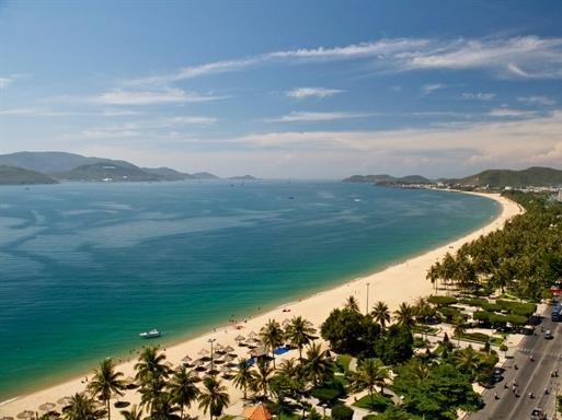 Khách sạn 3-5 sao tại Nha Trang đồng loạt hạ giá