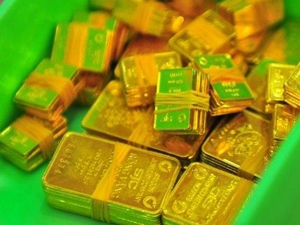 Ngân hàng chưa thoát khỏi vòng xoáy của vàng