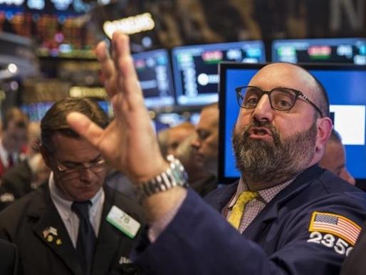 Chứng khoán Mỹ giảm sau số liệu kinh tế thất vọng
