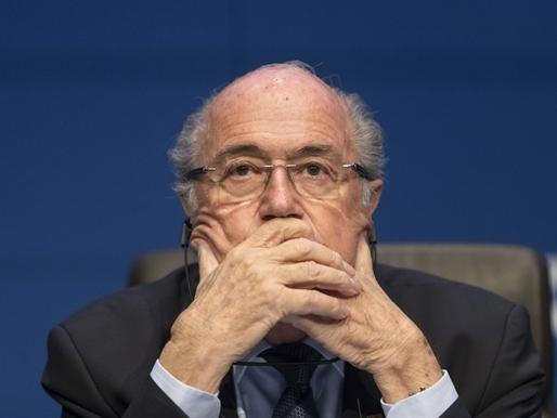 Chủ tịch FIFA từ chức rúng động bóng đá thế giới