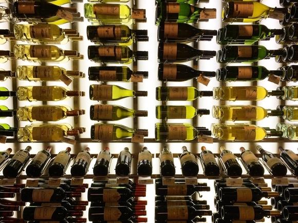 6 bí quyết chọn mua rượu vang ngon vừa túi tiền