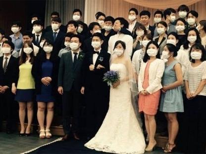 Bức ảnh cưới thành biểu tượng nỗi sợ MERS ở Hàn Quốc