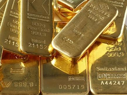 Giá vàng giảm bất chấp USD, chứng khoán suy yếu