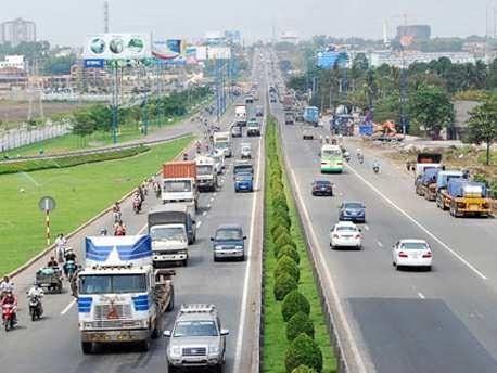 5 năm, dự án mở rộng xa lộ Hà Nội chỉ đạt 47% tiến độ