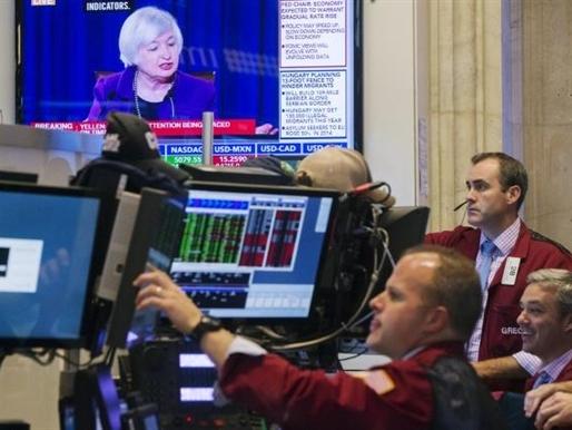 """Chứng khoán Mỹ tiếp tục tăng khi Fed tuyên bố """"từ từ"""" nâng lãi suất"""