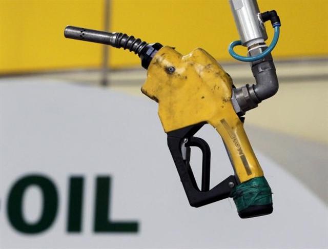 Giá dầu tăng nhẹ sau tín hiệu lạc quan về Hy Lạp