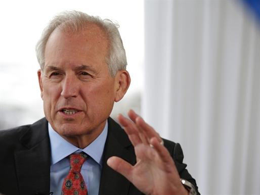 CEO Boeing nhận lương hưu 3,9 triệu USD/năm