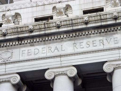 Fed dựa vào số liệu của ai khi quyết định tăng lãi suất?