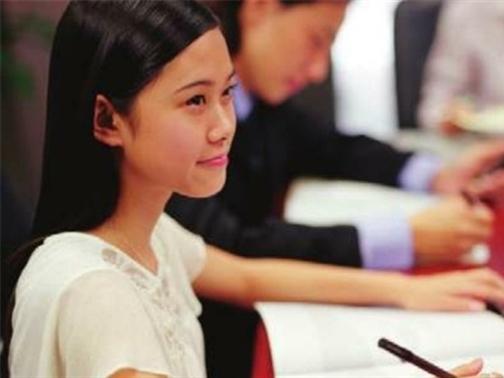 Sinh viên Việt Nam có tài nhưng chưa được trọng dụng?