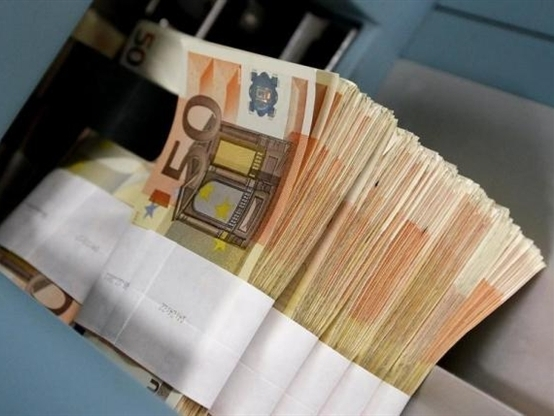 Euro tăng so với USD bất chấp khủng hoảng nợ Hy Lạp