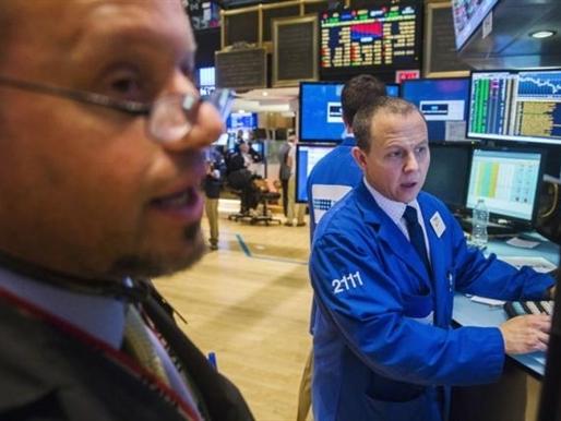 Phố Wall lao dốc do bán tháo vì khủng hoảng nợ Hy Lạp