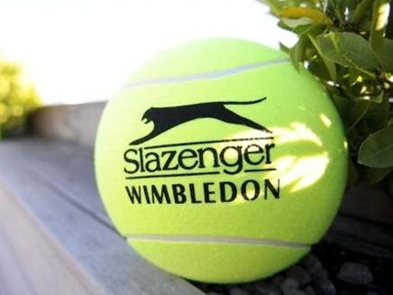 Quả bóng tennis và hành trình 50.000 dặm tới Wimbledon