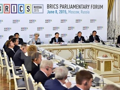 Trung Quốc thông qua thỏa thuận lập ngân hàng khối BRICS