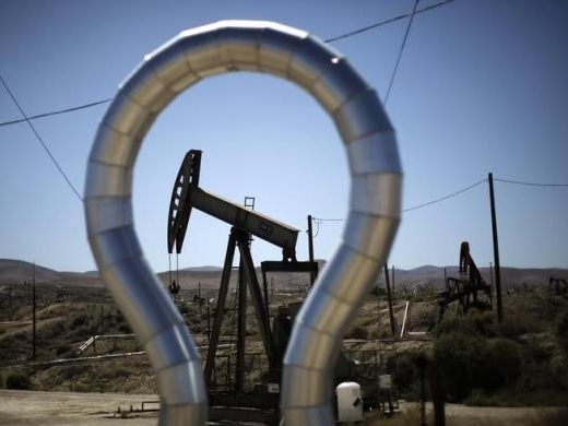 Giá dầu tiếp tục giảm khi số giàn khoan tăng