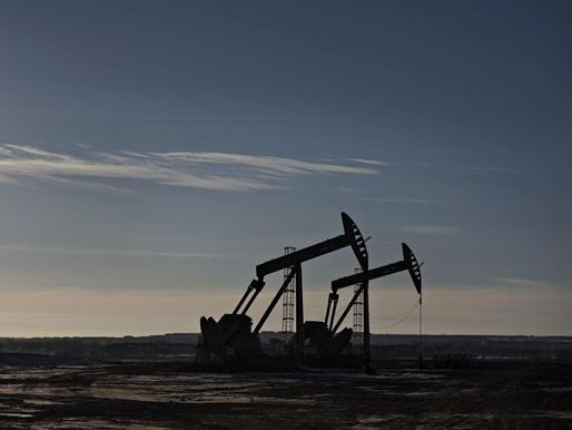 Giá dầu giảm do nguồn cung dầu đá phiến tăng mạnh