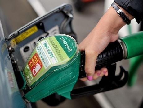 Giá dầu Mỹ có tuần giảm lớn nhất kể từ tháng 3