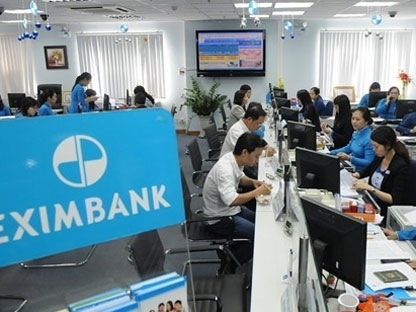 Vietcombank, NamABank trước đại hội Eximbank