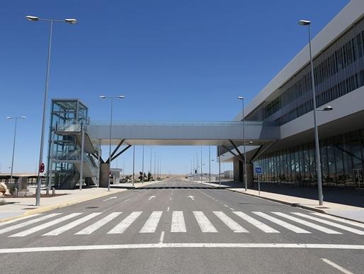 """Tây Ban Nha bán sân bay """"ma"""" cho Trung Quốc"""